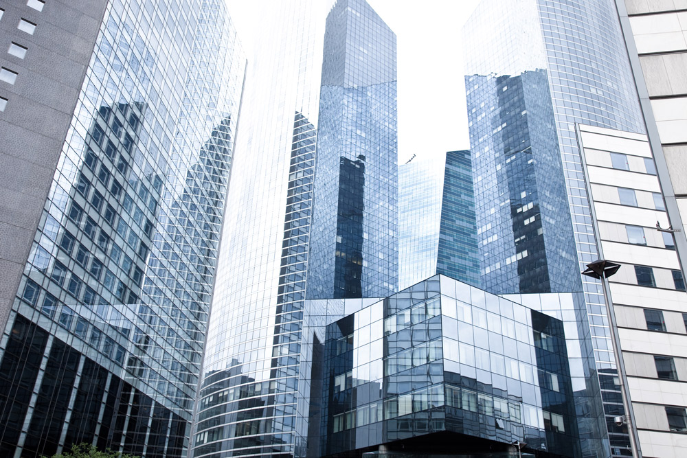 sky scrapers with glass front in metropolis