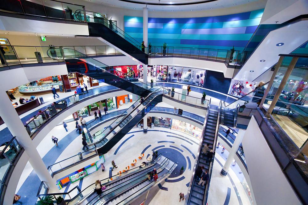Einkaufszentrum auf mehreren Passagen
